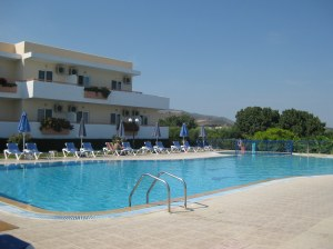 The pool at Mayflower Apartments, Tigaki