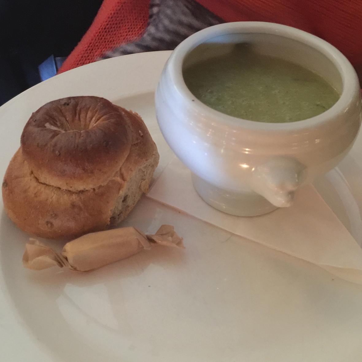leek-pot-soup-cottage-loaf
